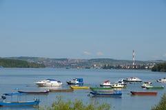 Barcos en el río Danubio Fotos de archivo