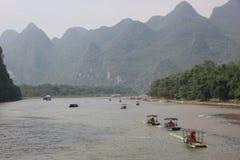 Barcos en el río de Li Foto de archivo libre de regalías