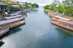 Barcos en el río de Uji Foto de archivo libre de regalías