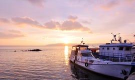 Barcos en el sunglow Fotografía de archivo libre de regalías