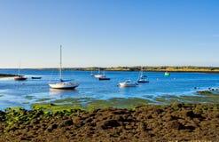 Barcos en la bahía Fotos de archivo libres de regalías