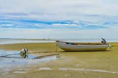 Barcos en la costa mA con marea baja de Provincetown Fotografía de archivo libre de regalías