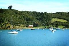 Barcos en la isla de Waiheke Fotografía de archivo libre de regalías