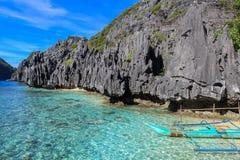 Barcos en la playa del EL Nido, Filipinas Imagen de archivo libre de regalías