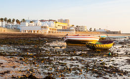 Barcos en Playa de la Caleta cádiz Fotografía de archivo libre de regalías