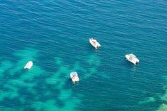 Barcos en riviera francesa imagen de archivo libre de regalías