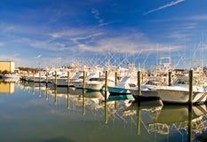 Barcos en un Marina-1 Imagenes de archivo