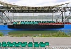 Barcos en una etapa al aire libre Imagen de archivo libre de regalías