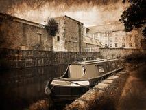 Barcos estrechos del canal en la celebración de 200 años del canal de Leeds Liverpool en Burnley Lancashire Foto de archivo