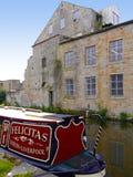 Barcos estrechos del canal en la celebración de 200 años del canal de Leeds Liverpool en Burnley Lancashire Imagen de archivo libre de regalías