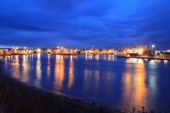 Barcos grandes de la fuente en el puerto de Aberdeen el 27 de enero de 2016 Imagen de archivo