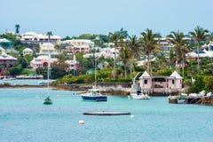 Barcos a lo largo de Bermudas Foto de archivo libre de regalías