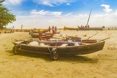 Barcos na areia na praia de Jericoacoara Brasil Fotos de Stock Royalty Free