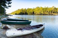 Barcos na costa Imagem de Stock