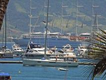 Barcos na costa Imagem de Stock Royalty Free