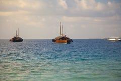 Barcos na costa Fotografia de Stock Royalty Free