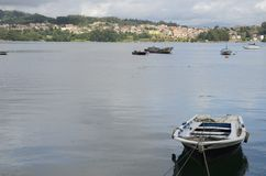 Barcos na costa de Combarro Imagem de Stock