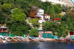 Barcos na costa de mar Imagem de Stock Royalty Free