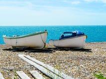 Barcos na costa de mar Foto de Stock