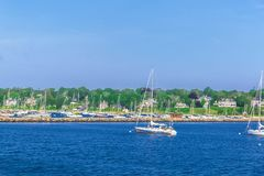 Barcos na costa de mar no bacalhau de cabo miliampère Fotografia de Stock