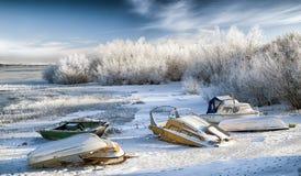 Barcos na costa no lago Liptovska Mara, Eslováquia Imagem de Stock Royalty Free