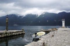 Barcos na fase no perast perto do kotor em Montenegro imagens de stock royalty free