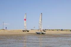 Barcos na maré baixa fotografia de stock