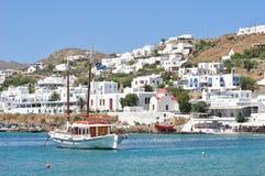 Barcos na margem de Mykonos Imagens de Stock Royalty Free