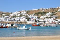 Barcos na margem de Mykonos, Grécia Imagem de Stock Royalty Free
