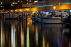 Barcos na noite imagem de stock royalty free