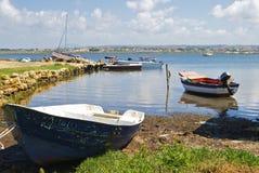 Barcos na porta fotografia de stock