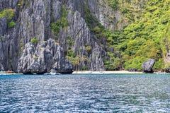 Barcos na praia do EL Nido, Filipinas Imagens de Stock Royalty Free