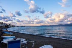 Barcos na praia em Mudanya Imagens de Stock Royalty Free