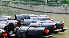 Barcos negros del toldo fotografía de archivo libre de regalías