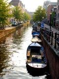 Barcos no canal Imagem de Stock