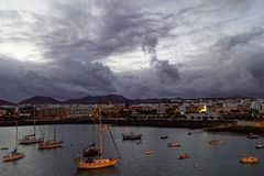 Barcos no crepúsculo Imagens de Stock