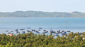 Barcos no mar em Nha Trang, Vietname Foto de Stock