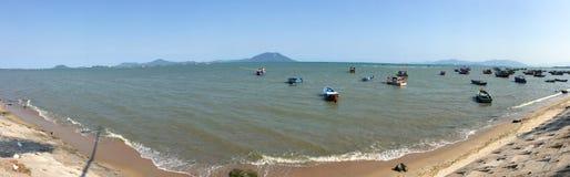 Barcos no mar em Vietname Fotografia de Stock Royalty Free