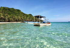 Barcos no mar na ilha de Phu Quoc Foto de Stock