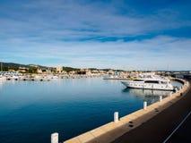 Barcos no porto mediterrâneo Fotos de Stock