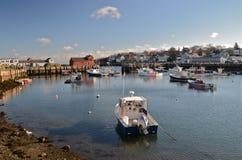 Barcos no porto na maré baixa Foto de Stock Royalty Free