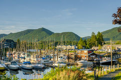 Barcos no porto no por do sol foto de stock