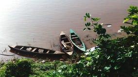 Barcos no rio imagem de stock