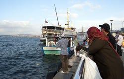 Barcos no rio de Bosphorus Fotos de Stock Royalty Free