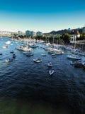 Barcos no rio de Willamette em Portland, OU Fotografia de Stock