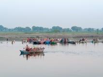 Barcos no rio de Yamuna Foto de Stock Royalty Free