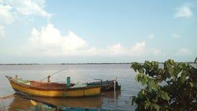 Barcos no rio Godavari, Índia imagens de stock