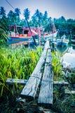 Barcos por la batería de río Imagen de archivo libre de regalías