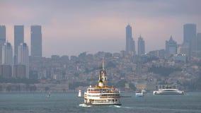Barcos que cruzan en Bosphorus, Estambul, Turqu?a almacen de video