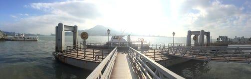 Barcos que paran en la bahía del embarcadero en Taiwán imagen de archivo libre de regalías
